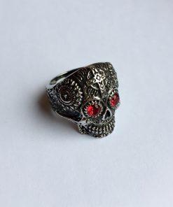 Gothic skull ring