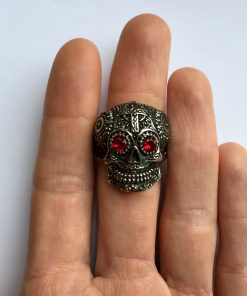Gothic skull ring bovenaanzicht