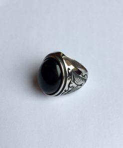 Ring met zwarte onyx