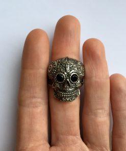Skull ring dames bovenaanzicht